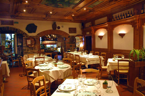 al ristorante Italian restaurant in huntsville, al serving steak and seafood fine dining, nicks  ristorante voted best steak smoke free dining room and cigar bar.